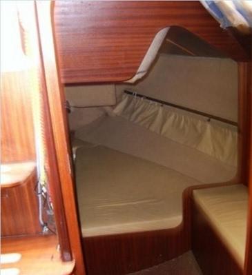 vitorlás hajó kölcsönző,  kölcsönzés, bérlés, Balaton, Füred, vitorlázás kapitánnyal